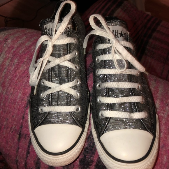 44911ef14294 Converse Shoes - Converse Women s Size 9